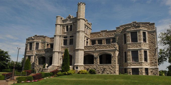 20 paranormal places in southern missouri to add to your for Famous haunted houses for sale