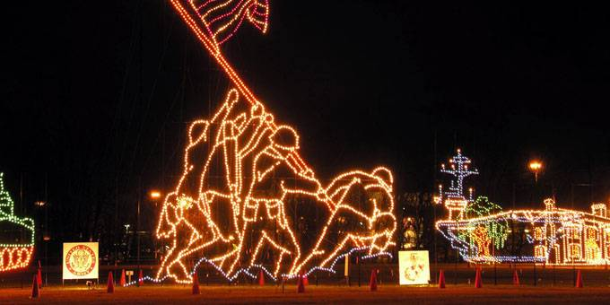 Gatlinburg Tn Christmas Lights.20 Of The Most Jolly Holiday Attractions In The Smoky Mountains