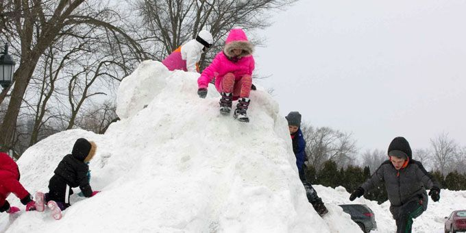 Top 10 winter festivals in the midwest for Coralville arts and crafts show