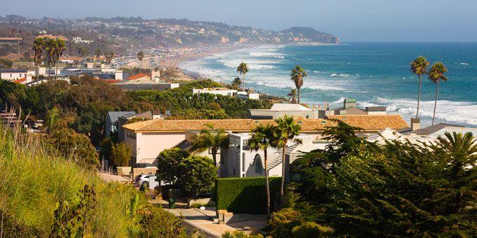 10 Photos of Insane Celebrity Homes in Malibu You Won't Believe