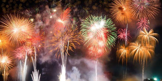 Photo fireworksOverWater