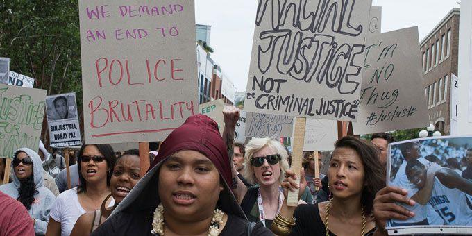 Photo protestors4