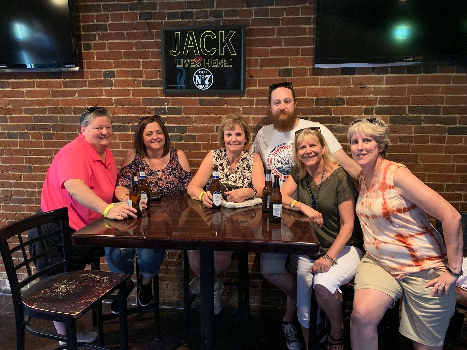 Group Enjoying the Music City Pub Crawl Walking Tour