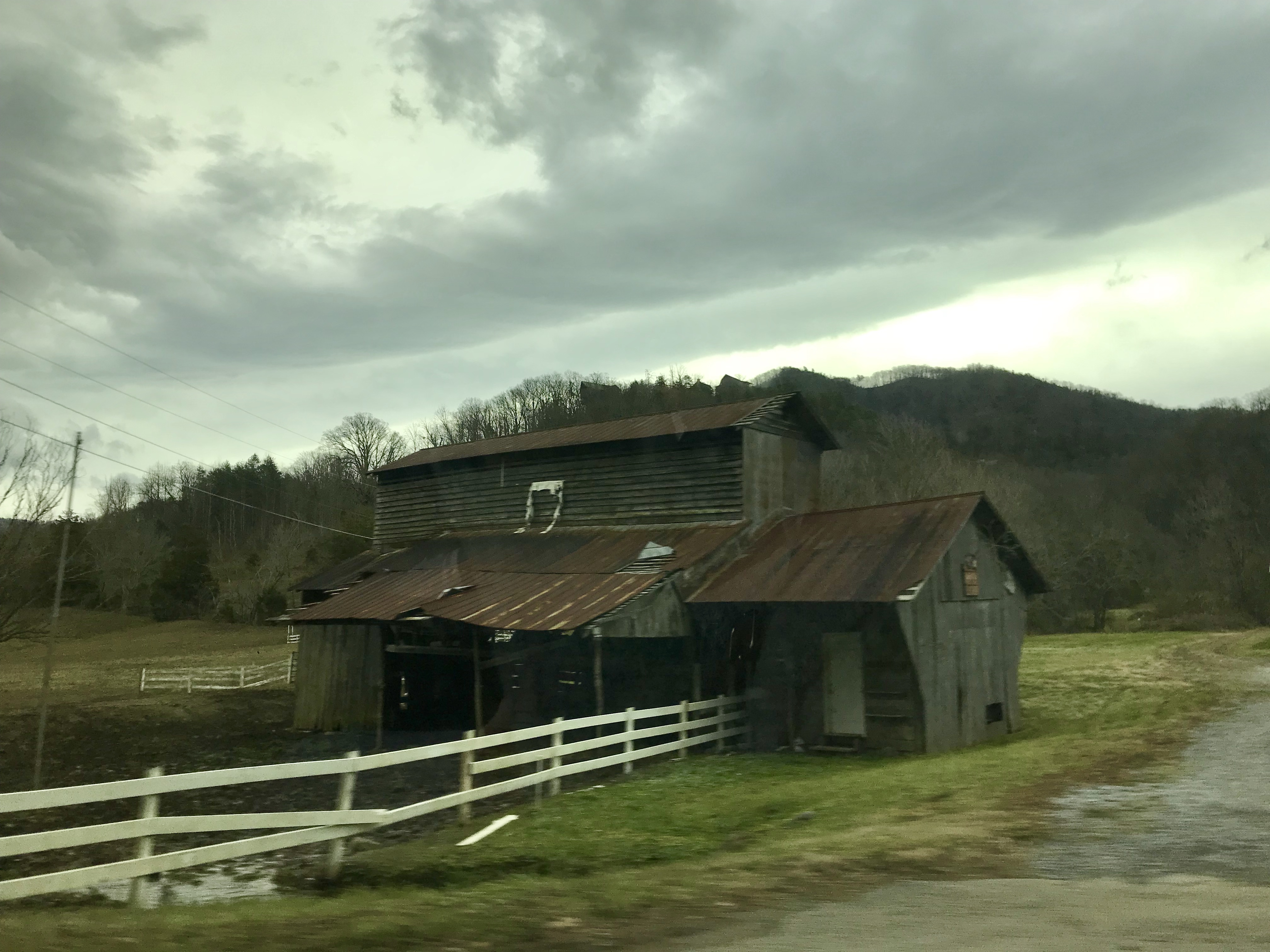 Old Barn near BEST WESTERN Cades Cove Inn
