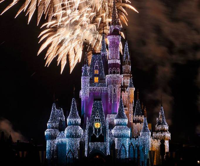 Mickey S Very Merry Christmas Party At Disney World In