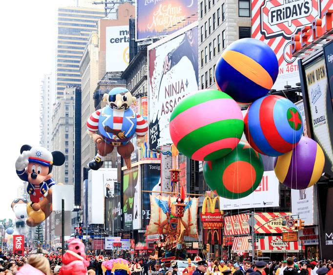 hotels along macy's thanksgiving parade route