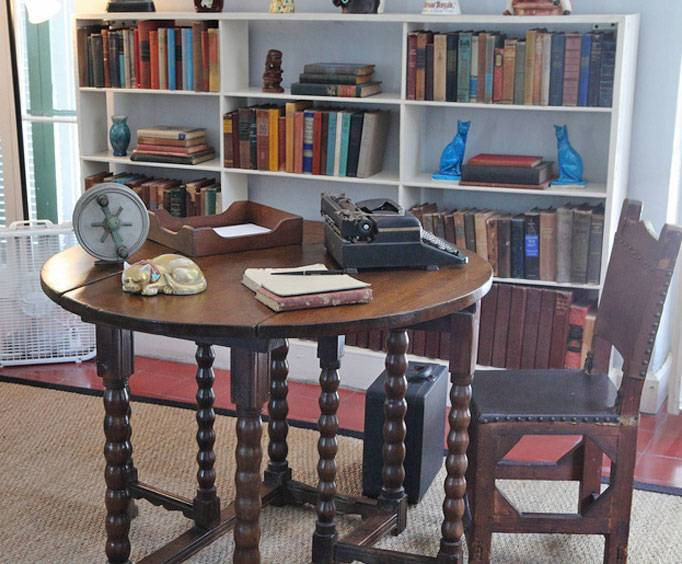 Astonishing Ernest Hemingway Home And Museum In Key West Fl Unemploymentrelief Wooden Chair Designs For Living Room Unemploymentrelieforg