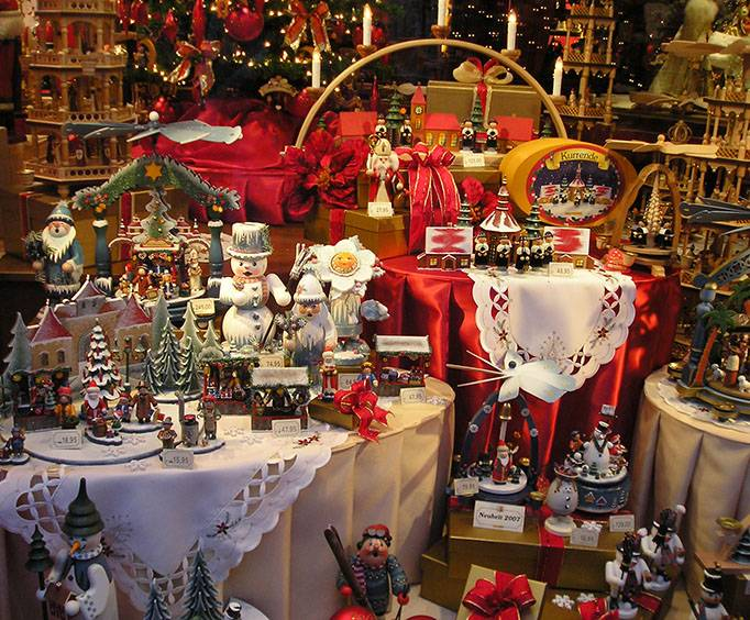 christmas and candle shop near pigeon forge tn