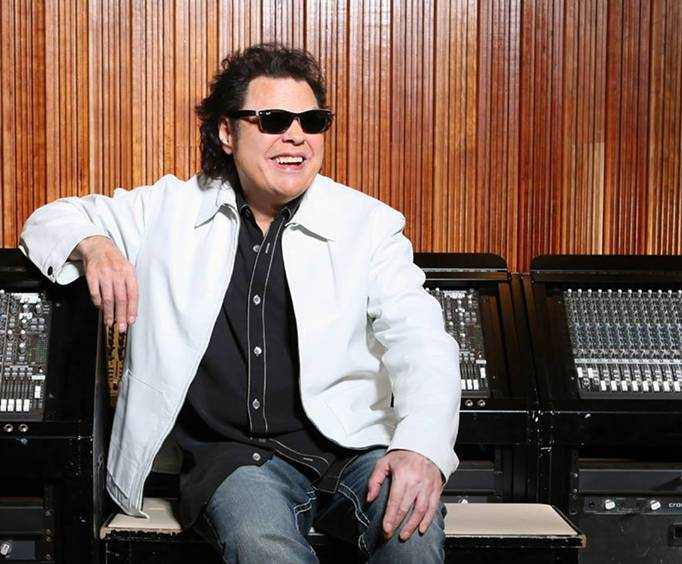 Hear Ronnie Milsap Live