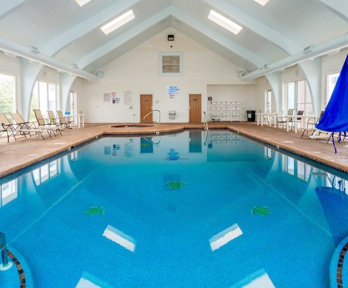Branson Towers Indoor Swimming Pool
