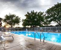 Outdoor Swimming Pool of Best Western Chicago -Hillside IL