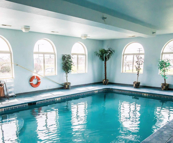 Quality Inn Woodstock Indoor Swimming Pool