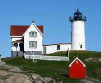 New England Sea Coast Guided Tour with Commentary - Hampton Beach, New Hampshire, & Nubble Lighthouse, tour bus