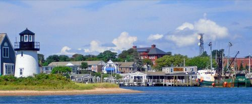 Cape Cod, Hyannisport Kennedy Memorial, & Narrated Sightseeing Harbor Cruise, Boston MS