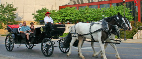 Cumberland Carriage Tours of Downtown Nashville, romantic