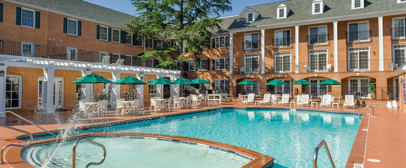 Outdoor Swimming Pool of Westgate Historic Williamsburg