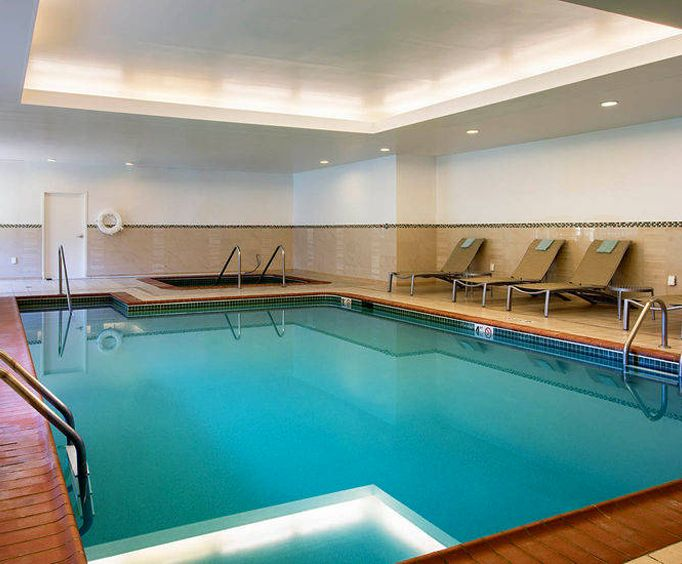 Springhill Suites by Marriott Williamsburg Indoor Swimming Pool