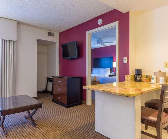 Room Photo for Quality Suites Lake Buena Vista