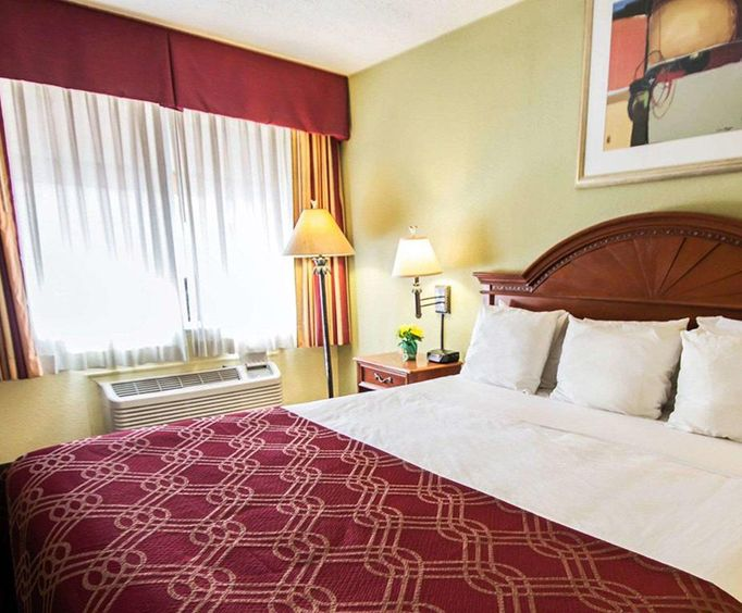Room Photo for Econo Lodge Inn  Suites Near Florida Mall