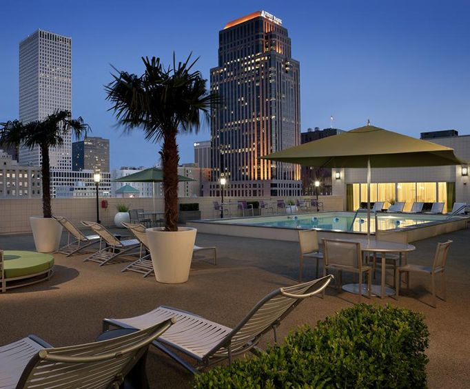 Outdoor Pool at Holiday Inn Downtown - Superdome
