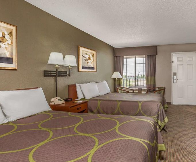 Super 8 Metairie Room Photos