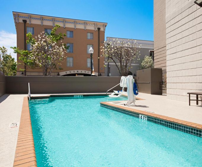 Outdoor Pool at Embassy Suites New Orleans - Convention Center