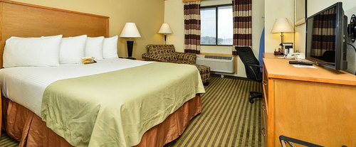 Photo of Quality Inn & Suites Dfw - Airport Room