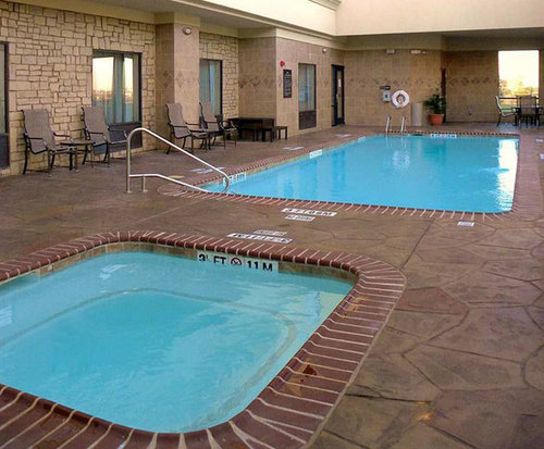 Hampton Inn & Suites Dallas/Cockrell Hill I-30 Indoor Swimming Pool