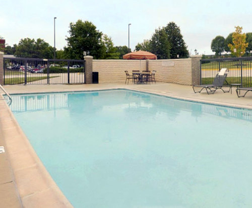 Outdoor Swimming Pool of Hyatt Place Ft Worth Hurst