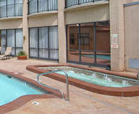 Outdoor Swimming Pool of Red Lion Hotel Salt Lake Downtown