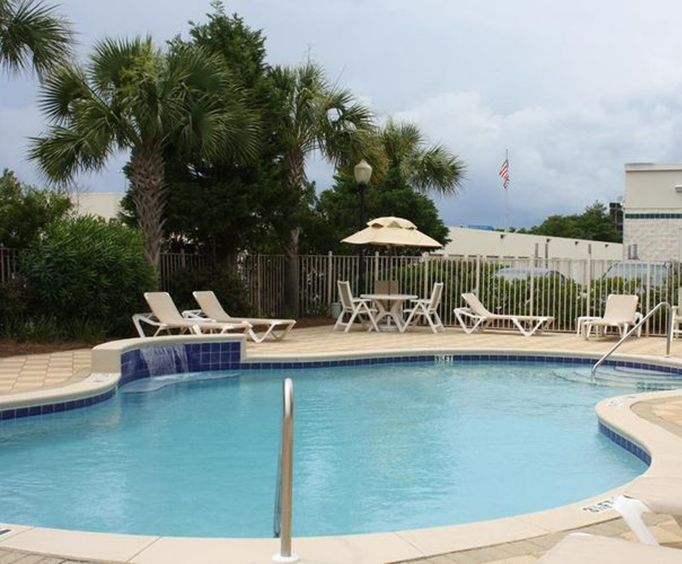 Outdoor Pool at Hampton Inn Fort Walton Beach
