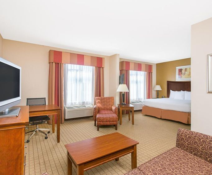 Room Photo for Wingate by Wyndham Savannah Airport
