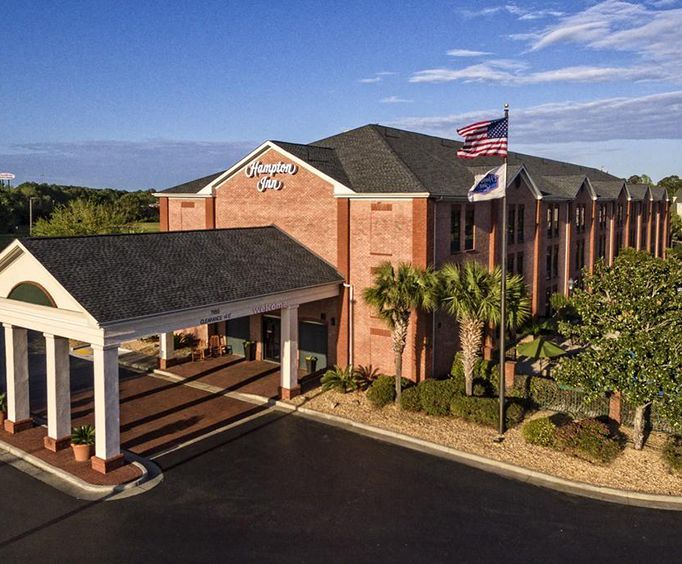 Exterior of Hampton Inn Savannah - I-95 North