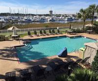 Photo of Courtyard Charleston Waterfront by Marriott Room