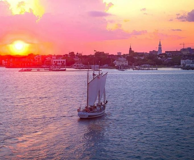 Sunset on the Charleston Dolphin Cruise Aboard the Schooner Pride