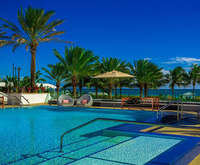 Outdoor Swimming Pool of Eden Roc Renaissance Resort & Spa