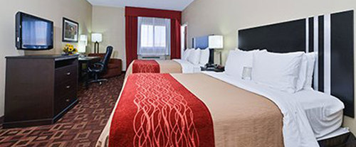Photo of Comfort Inn & Suites Room