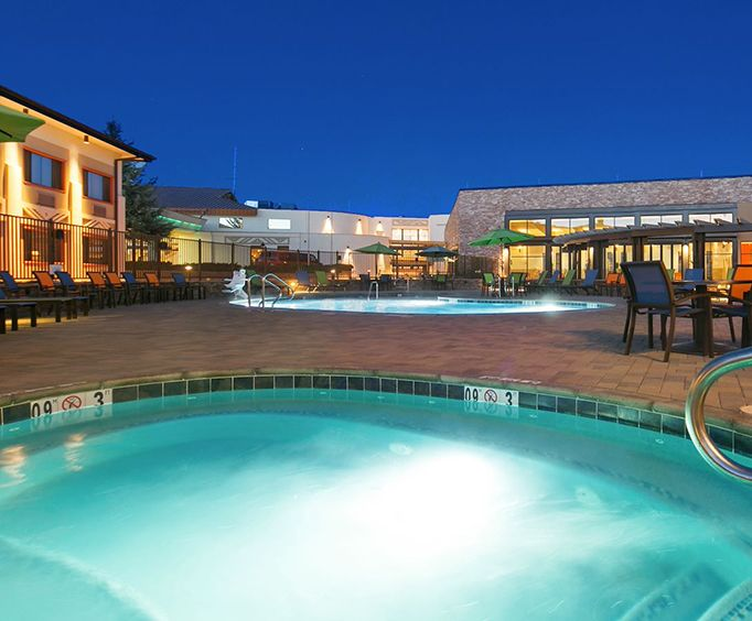 Hotels with Hot Tub / Whirlpool