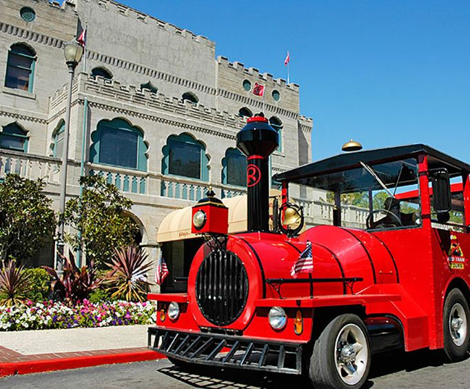 See the Sights with the Ripleys Red Train Tour