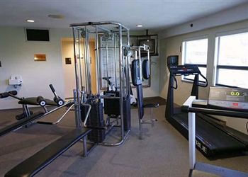Comfort Hotel & Conference Centre - Victoria Fitness Center