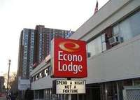 Exterior View of Econo Lodge Downtown Ottawa