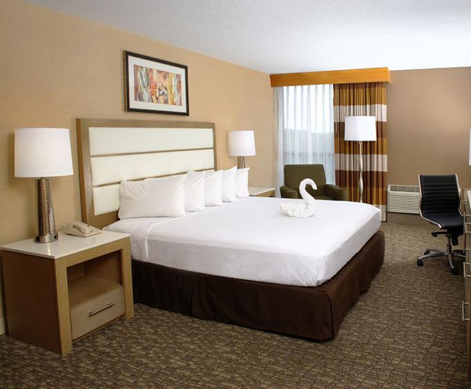 Doubletree Hotel Virginia Beach Room Photos