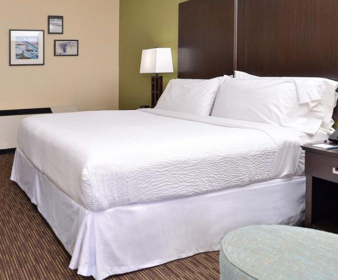 Four Points by Sheraton Virginia Beach Oceanfront Room Photos