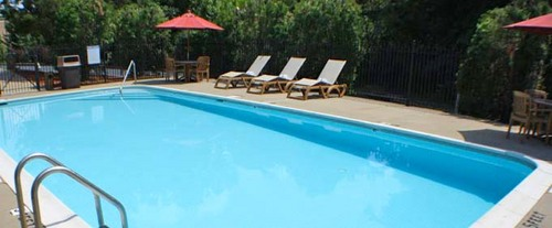 Outdoor Swimming Pool of Best Western Executive Hotel