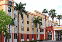 Exterior View of Best Western Fort Myers Inn & Suites