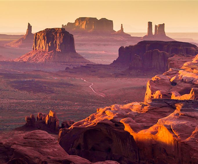 Amazing Vies Monument Valley Tribal Park and Navajo Indian Reservation with Lunch Full Day Tour