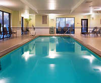 Outdoor Swimming Pool of SpringHill Suites Louisville Downtown