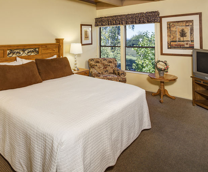 Photo of Aston Lakeland Village Beach & Mountain Resort Room