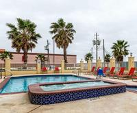 Comfort Suites Galveston Room Photos