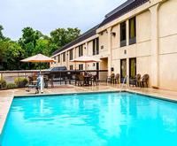 Outdoor Swimming Pool of Clarion Inn Chattanooga TN
